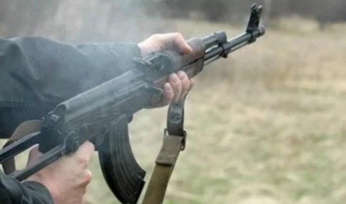 ВБратске мужчина стрелял изохолощенного автомата всотрудника ФССП
