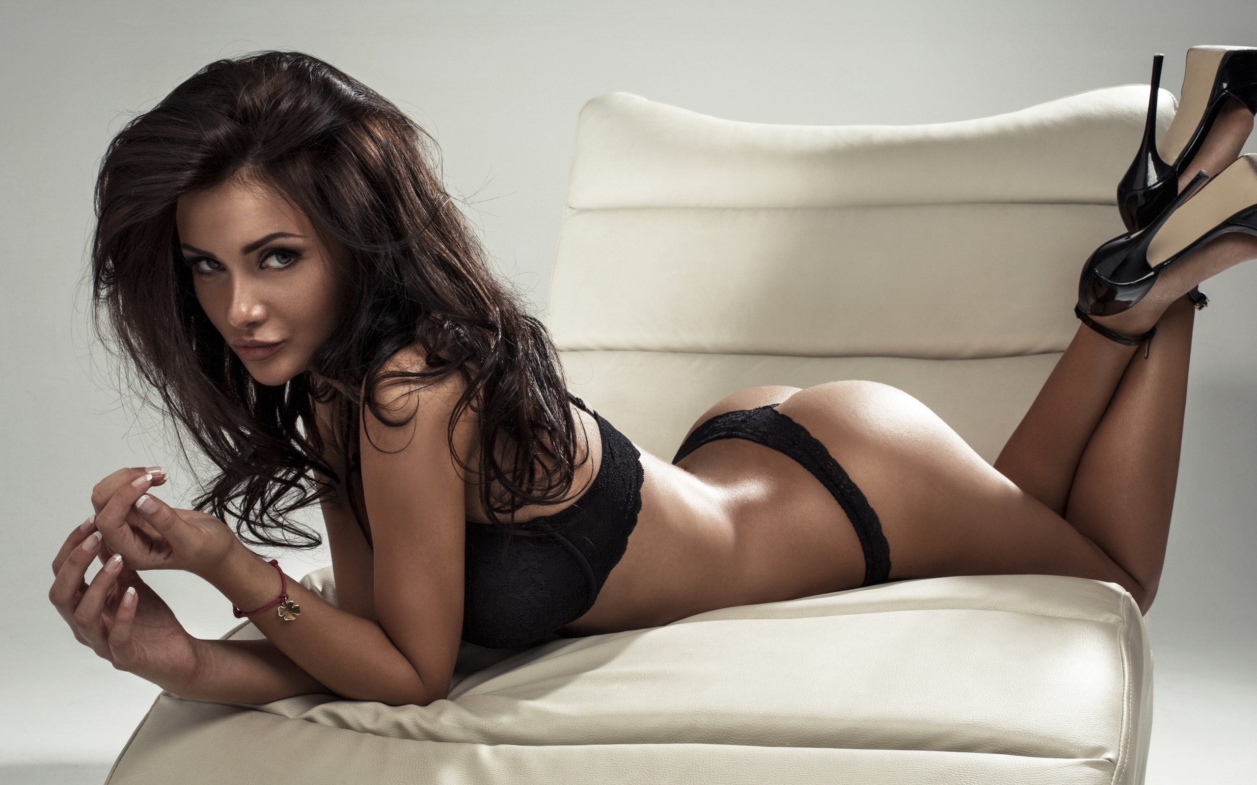 Сексуальне красивые девушки, Порно видео с красивыми и миловидными девушками 16 фотография