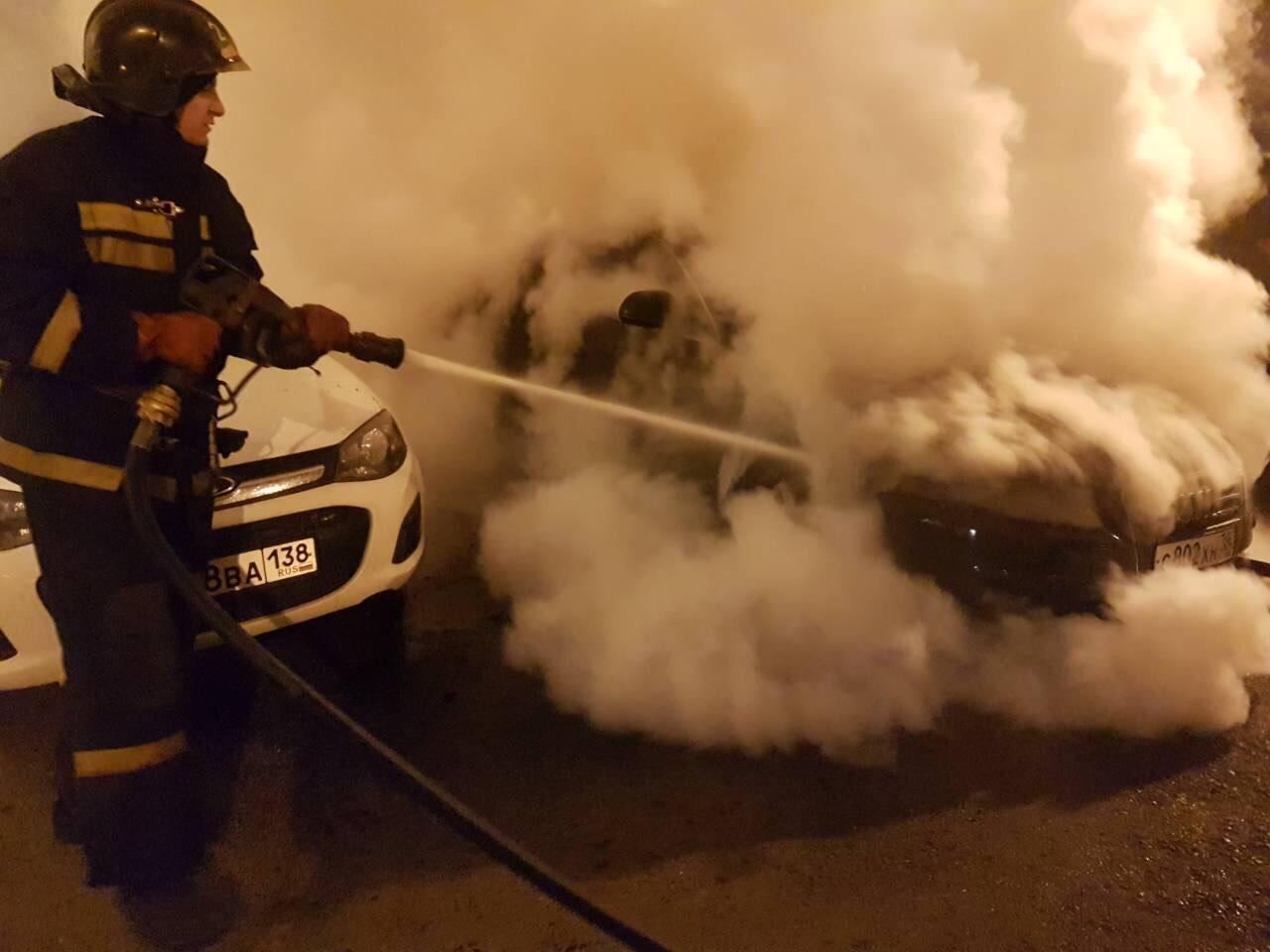 Утром 16октября вИркутске подожгли автомобиль Ауди A4