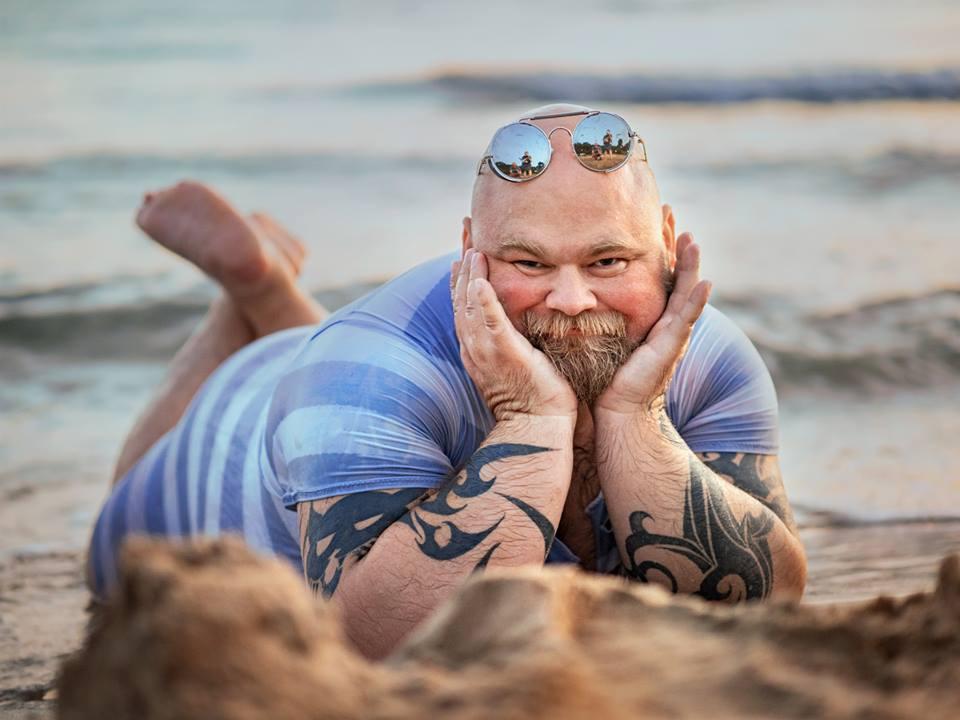 Прикольные фото на пляже, сердечками поцелуями для